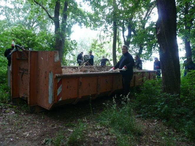 Einer der beiden Container, die der EVB zur Verfügung gestellt hat